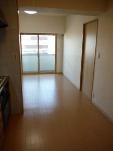 横浜市神奈川区 マンション フローリング貼替 施工後
