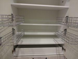 東京都府中市 ラクシーナ パナソニック カップボード 設置 After 回転網かご
